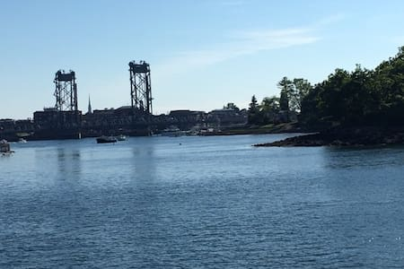 Fabulous Boathouse on the water - Kittery - House