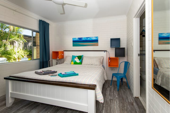 Quiet Noosa Junction Apt close to beach and shops