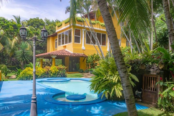 Hacienda Bahia Dorada• 4BD • 20 min from El Zonte