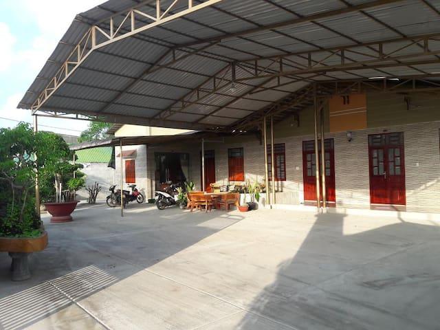 HIEN LAN HOTEL