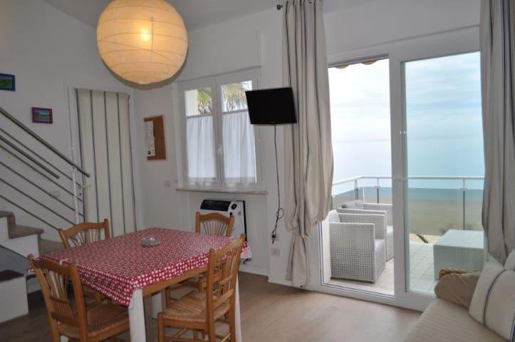 Fantastico trilocale centrale a Marcelli sul mare - Marcelli - Apartment