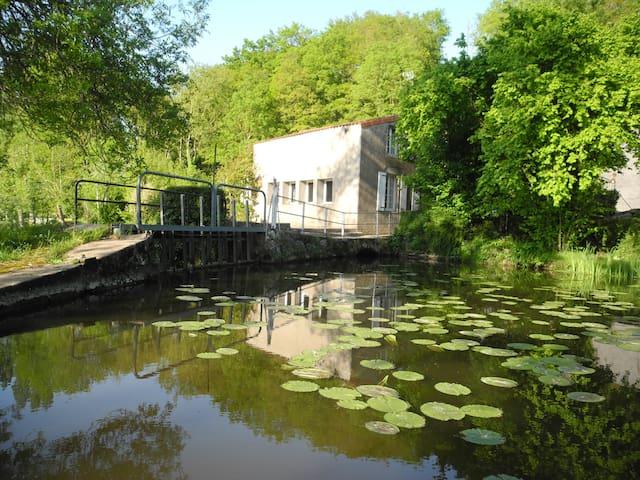 Moulin à eau rénové à 15 minutes du PUY du FOU