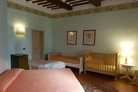 Dimora storica camera Verde - San Miniato - Bed & Breakfast