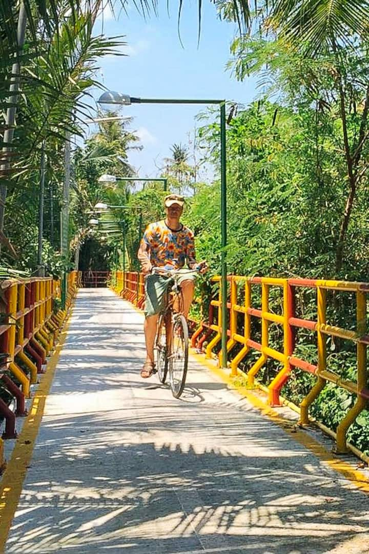 Safe bike route through Bangkok's Jungle