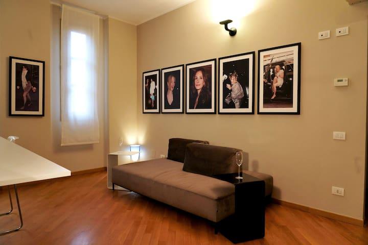 Pompeo Apartment