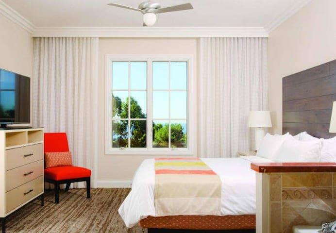 Marriott's Newport Coast Villas, Newport Beach,CA - Newport Beach - Timeshare (právo užívat zařízení pro ubytování na stanovený časový úsek během roku na mnoho let dopředu - minimálně 3 roky)