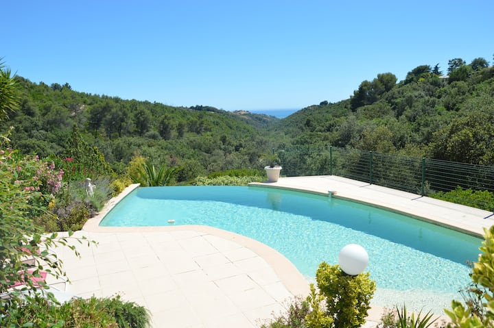 2 pièces indépendant dans villa avec piscine