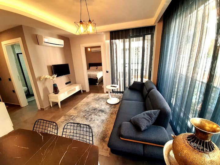Cozy apartment just in 50 m from Cleopatra beach