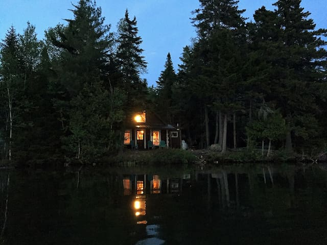 Doodlebug Cabin (Sunset View, Waterfront) - Rangeley - Stuga