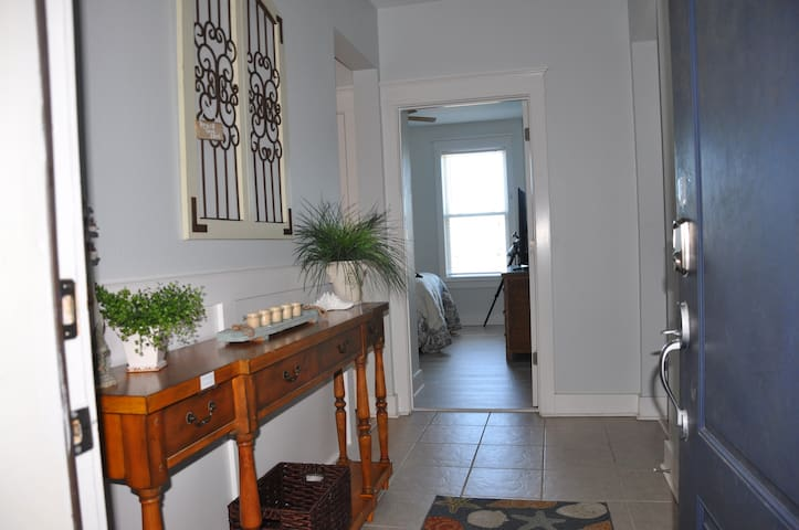 Entryway. Condo was updated with fresh paint and new floors in December 2018.