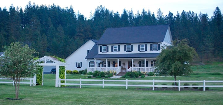 River Glen Farmhouse