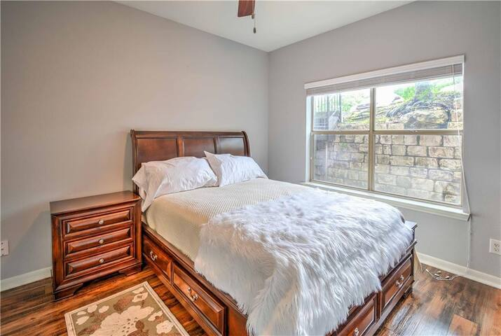 Lovely North Austin Condo for Extended Stays!