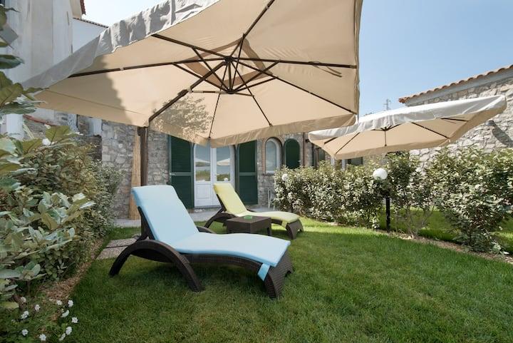 Villa Mami Luroviga - Casetta Rosa