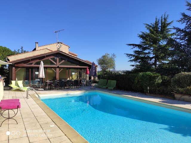 Maison typique du sud 230 m² 10 km centre Toulouse