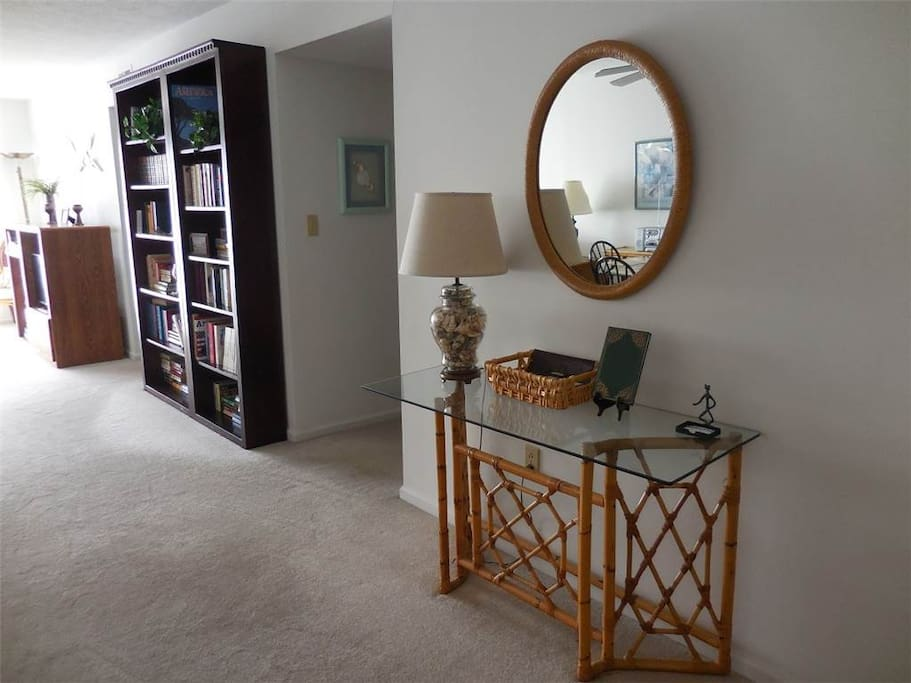 Lamp,Table Lamp,Chair,Furniture,Dining Room