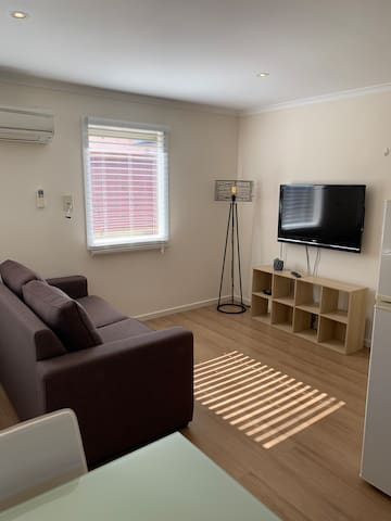 Kensington self contained studio