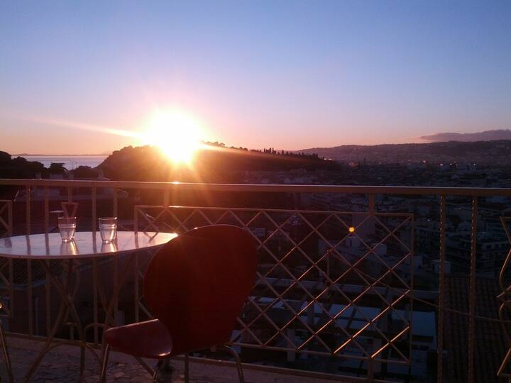 Studio with panoramic view on Nice