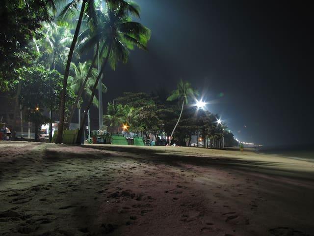 ★★★★★ ОТЛИЧНОЕ КОНДО 50 метров от пляжа ДЖОМТЬЕН !