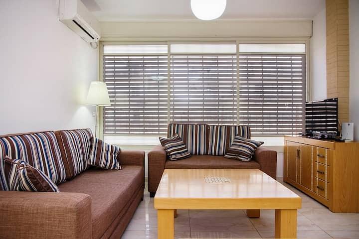 Apartment in Bat Yam (Dinara-1)