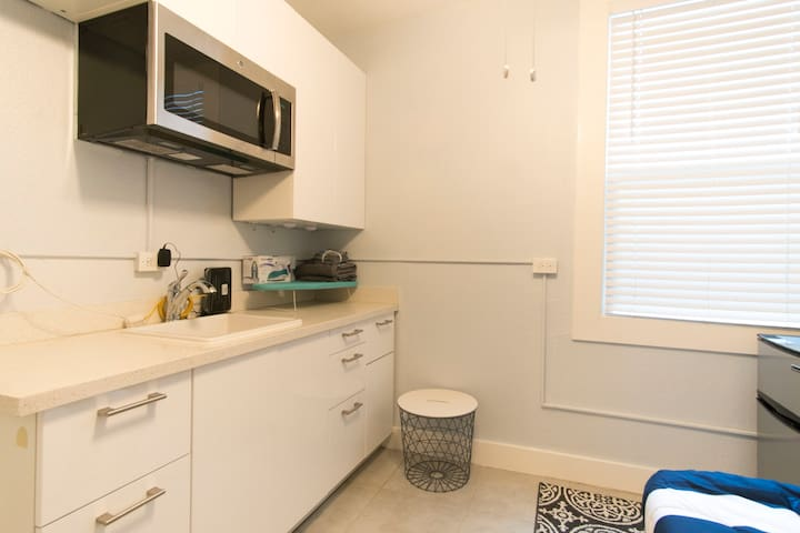 New Listing - Downtown Oakland Studio
