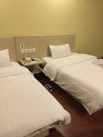 Las casas filipinas de acuzar hotel - Urdaneta City - House