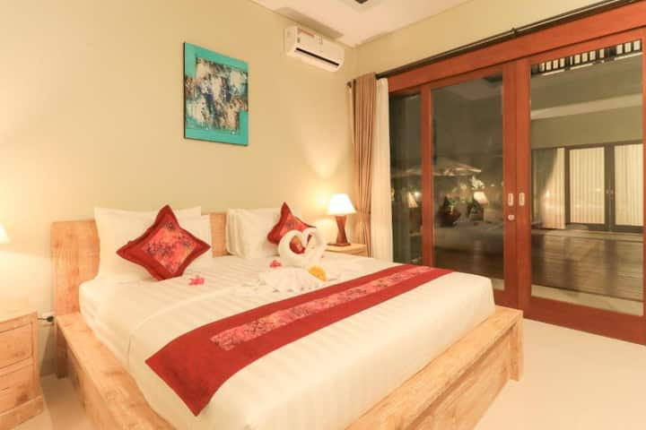 Luxurious Superior Room at Villa Linda 2