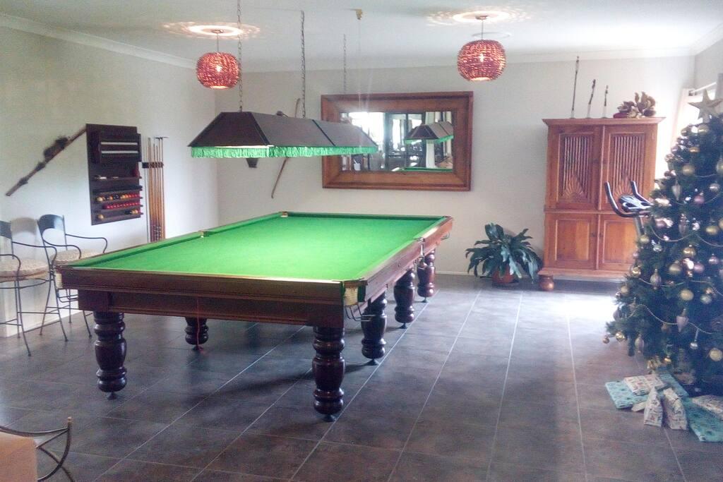 Full length billiard table