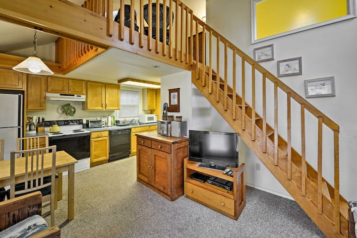 Easily communicate through the open-concept living area of the cottage.
