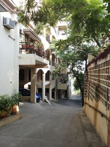 2 BHK Fully Furnished Apartment at Banjara Hills