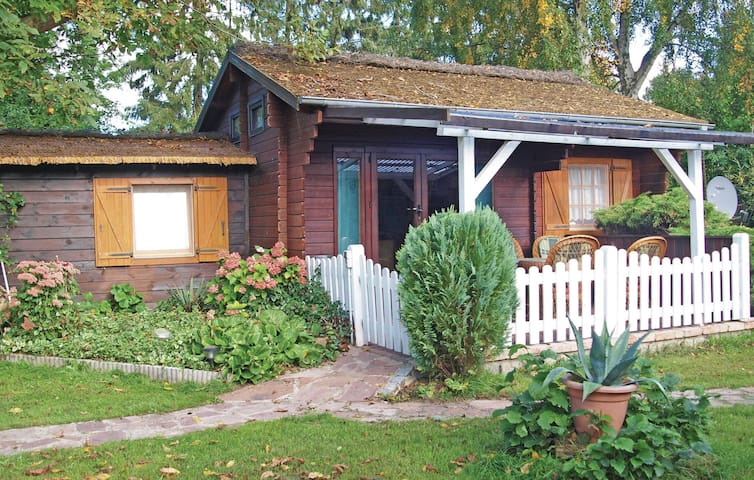 Holiday cottage with 1 bedroom on 45m² in Wolgast OT Hohendorf
