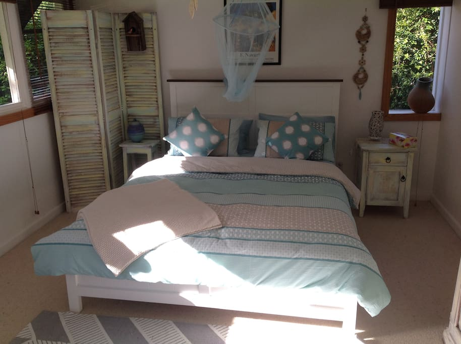 Bungalow style accommodation with comfortable queen size bed.