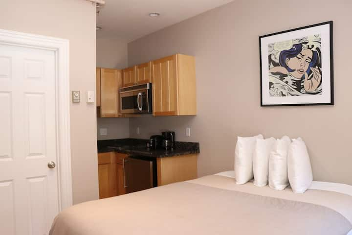 Stylish Downtown Studio in the SouthEnd, C.Ave# 1