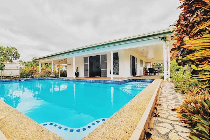 Tropical Home w/private pool - near Airport