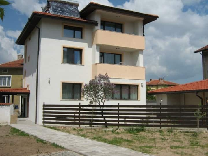 KHAN KRUM HOUSE 2BD Apartment for up to 12 guests