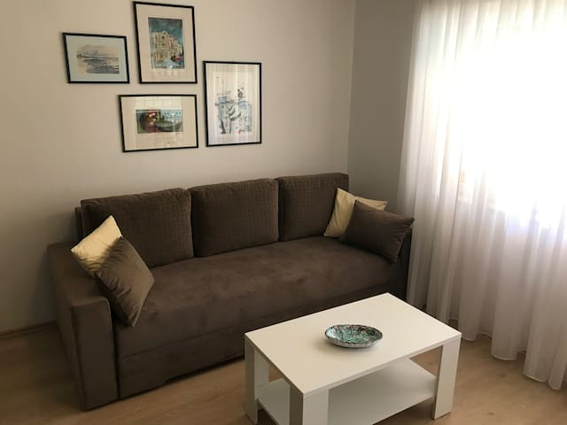 Sweet apartment 150m from the beach & near center