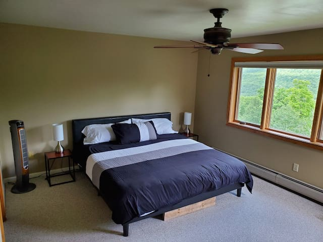 3rd Floor Master Bedroom with King bed