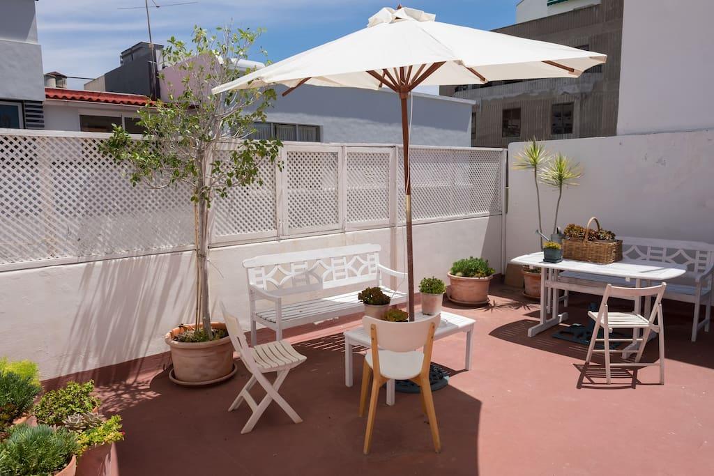 Terraza del Sol: donde poder relajarse, tomar el sol y un aperitivo o hacer una barbacoa con la familia y amigos
