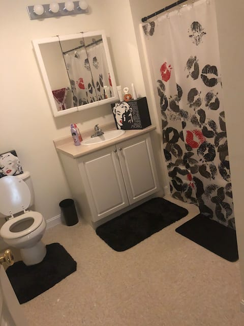 Dartmouth private room & private bathroom!!