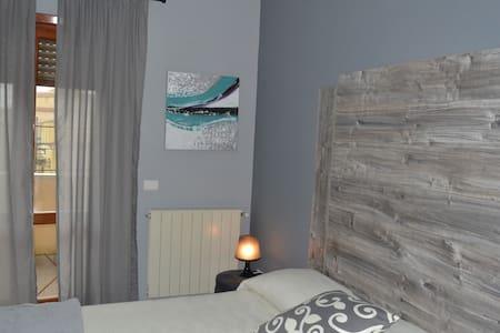 Bed&Brothers Fiumicino - Camera Matrimoniale - Fiumicino