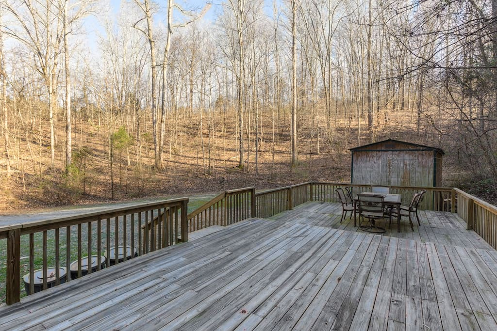 Great deck for outdoor family gathering and relaxation!