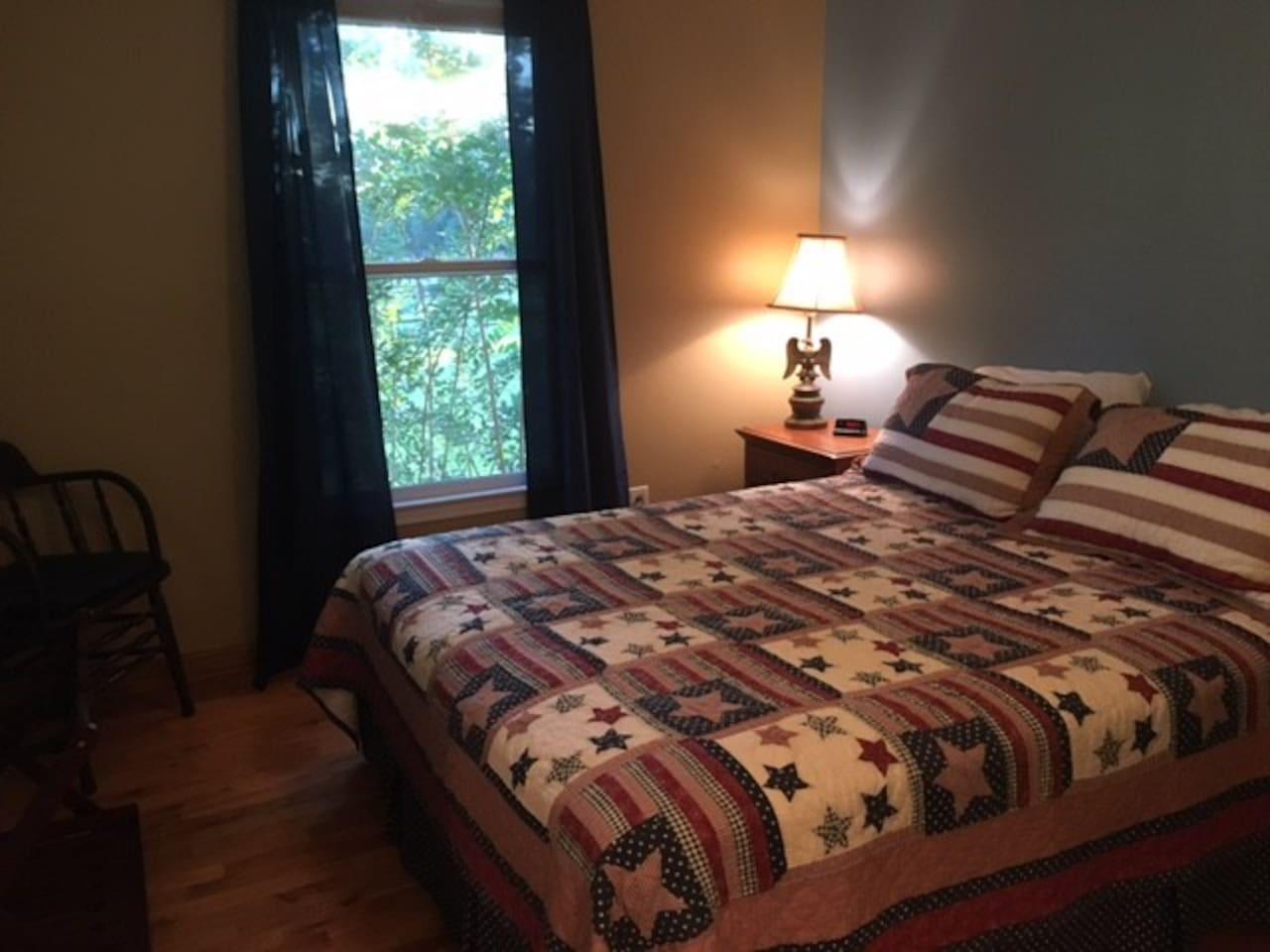 Suite 1 bedroom, view 1