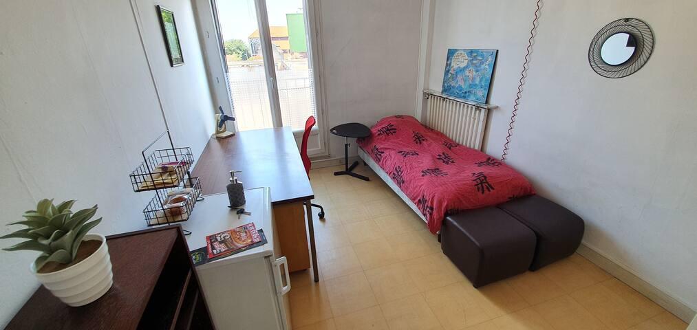 Chambre privée dans un appartement étudiant