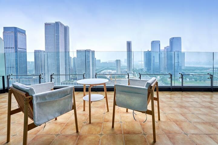 超大景观阳台奥体中心钱塘江边地铁2号线直达西湖近高铁站小清新三房
