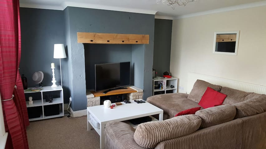 Cosy modern flat perfect for Gold Cup race goers. - Cheltenham - Apartment
