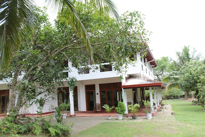 A Sri Lankan retreat