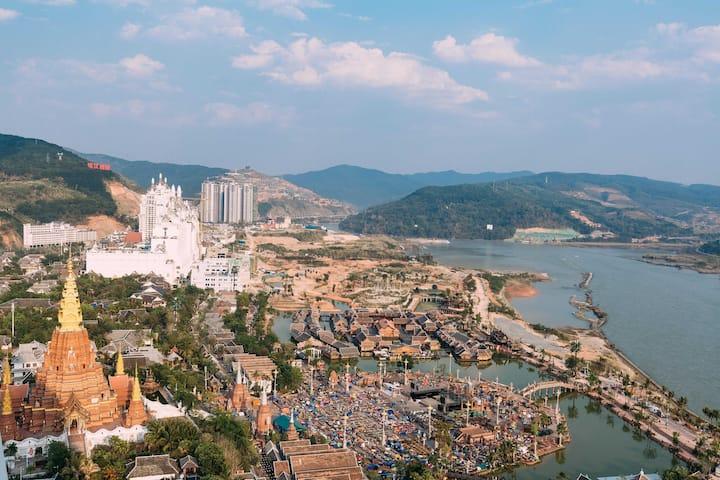 【一线江景】告庄西双景夜市ins大床房、/离夜市100米~俯瞰大金塔,夜市,湄公河