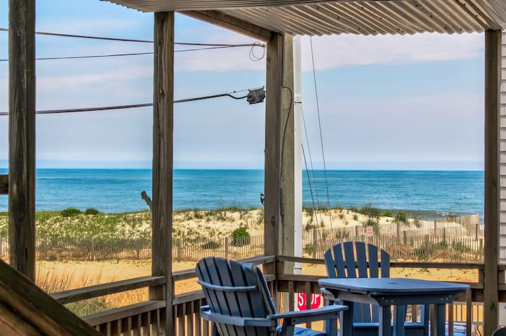 Beachside retreat w/ lovely deck & amazing location near amenities!