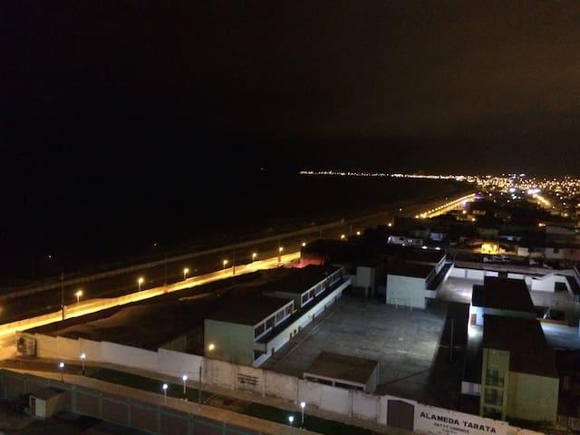 Hermosa vista a la ciudad y el mar - Distrito de la Perla - Apartment