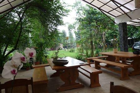 Ronia Mountain Villa Lembang - Lembang - Casa de hóspedes