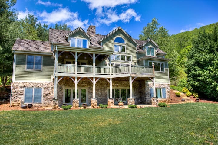 Pine Hollow - an Asheville Mountain Timber Frame Luxury Cabin w/Hot Tub! - Fairview - Apartment